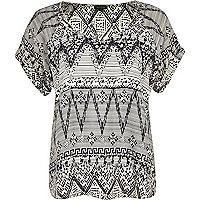 Black and white aztec print V neck t-shirt