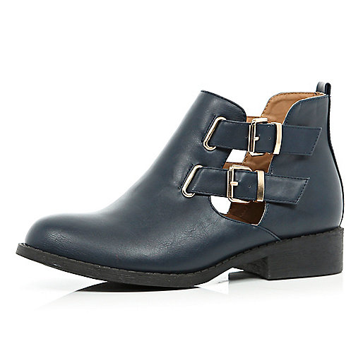 Navy cut out buckle side Chelsea boots