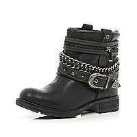 Black wrapped chain strap military boots