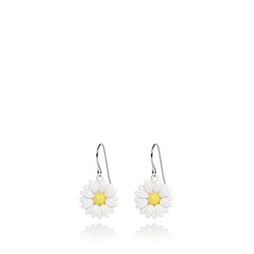 White daisy drop earrings