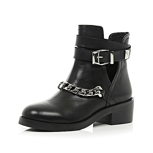 Black cut out curb chain ankle boots