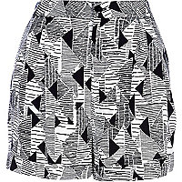 Black and white geometric print shorts