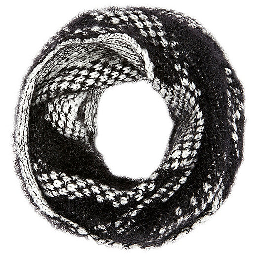 Black and white fluffy eyelash knit snood
