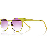 Yellow winged round sunglasses