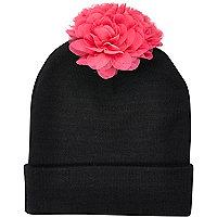 Black 3D flower pom pom beanie hat
