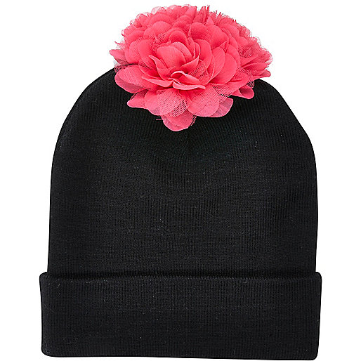 Black 3D flower pom pom beanie hat