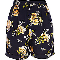 Navy floral print casual shorts