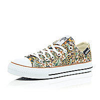 Brown Hype jungle print low rise plimsoll
