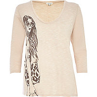 Beige girl print low scoop t-shirt