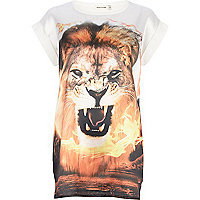 Cream lion print satin front t-shirt