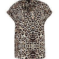 Brown leopard print V neck woven t-shirt