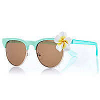 Light green flower trim retro sunglasses