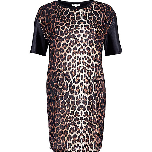 Black leopard print t-shirt dress