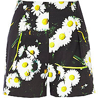 Black daisy print high waisted shorts