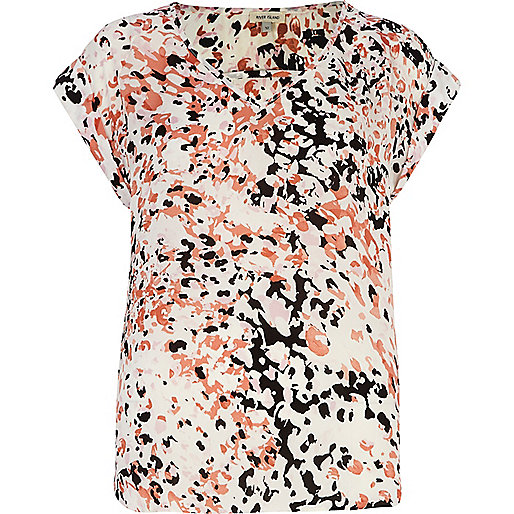 Pink abstract print V neck woven t-shirt
