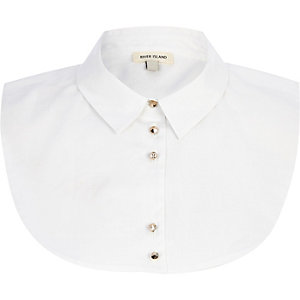White shirt collar bib
