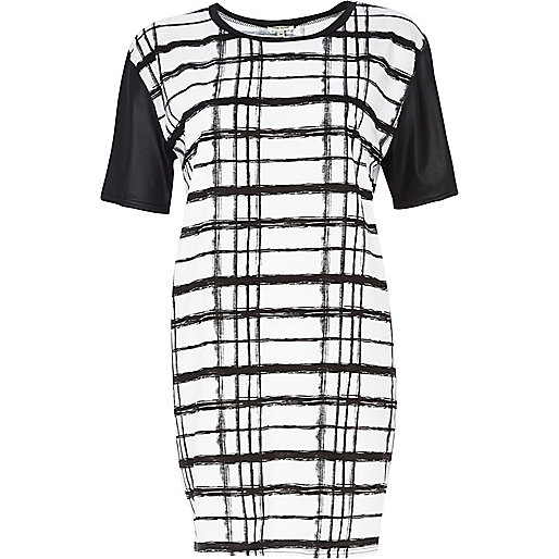 Black and white check print t-shirt dress