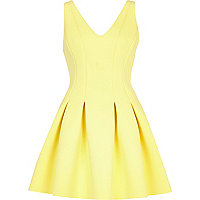 Yellow V neck scuba prom dress