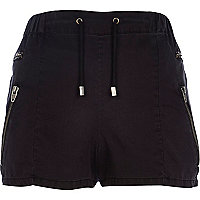 Black zip pocket runner shorts