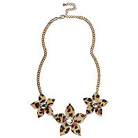 Gold tone leopard flower short necklace