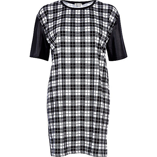 Black and white tartan t-shirt dress