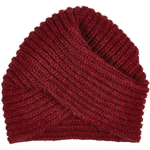 Dark red chunky knitted hat