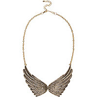 Gold tone wings short necklace