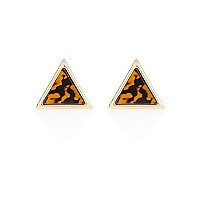 Brown tortoise shell triangle stud earrings