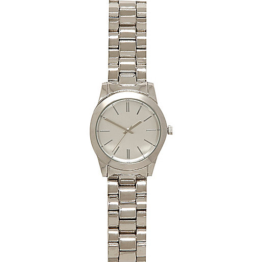 Silver tone round face bracelet watch