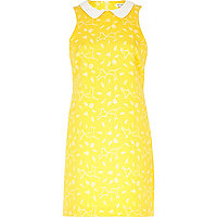 Yellow contrast collar shift dress