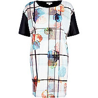 Blue watercolour flower print t-shirt dress