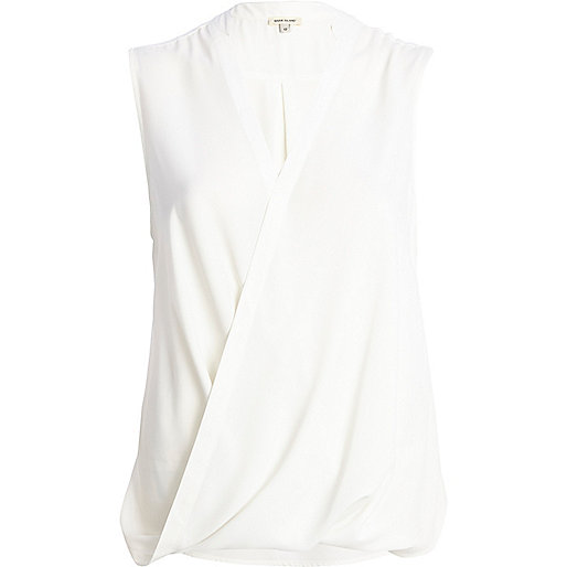 White Stag Sleeveless And Collarless Blouse 118