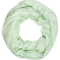 Light green laddered gauze snood