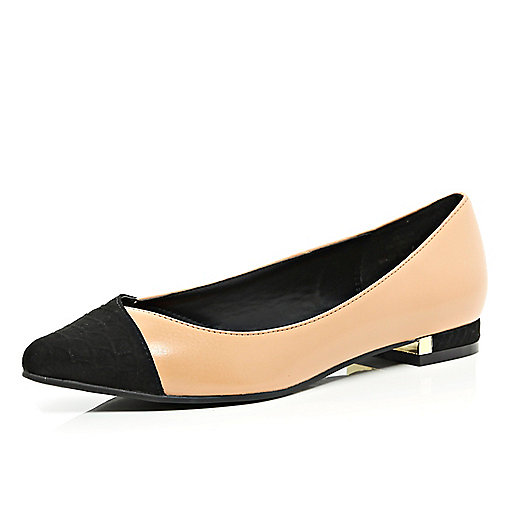 Nude pointed ballet pumps