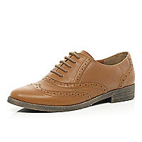 Tan lace up brogues