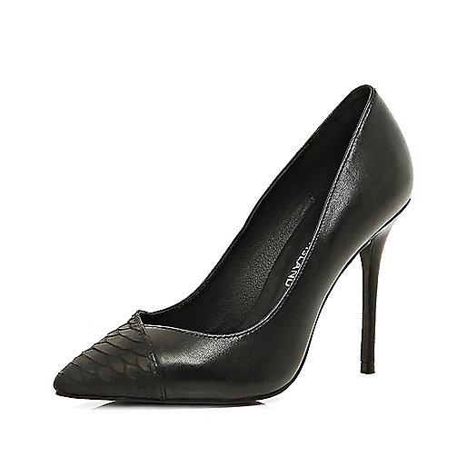 Black contrast toe cap point court shoes