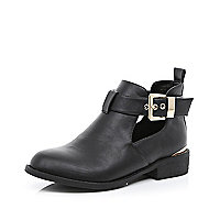 Black cut out buckle Chelsea boots
