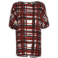 Red check oversized split back t-shirt