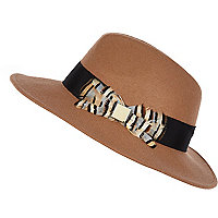 Camel feather trim fedora hat