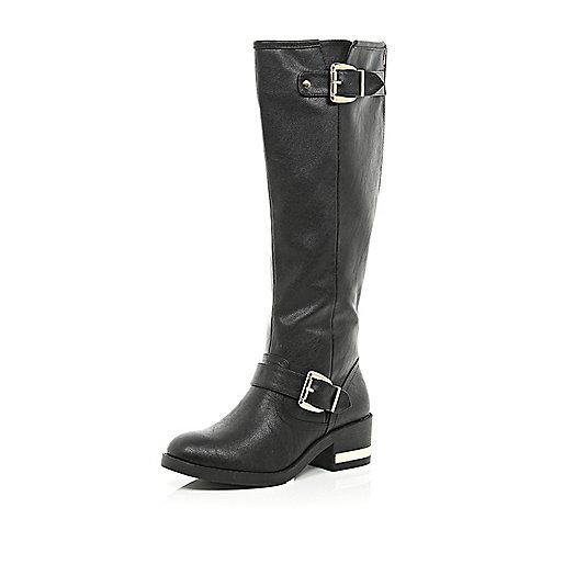 Black buckle trim riding boots