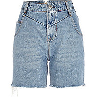 Mid wash frayed denim Mom shorts