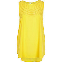 Yellow curved mesh panel shell top