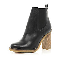 Black leather crepe sole Chelsea boots