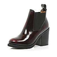 Red block heel Chelsea boots