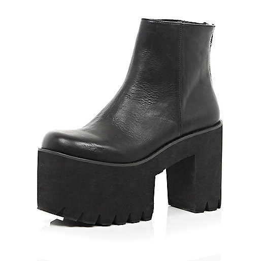 Black cut out cleated flatform ankle boots