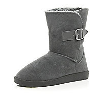 Grey faux fur lined buckle trim boots