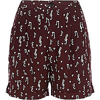 Dark red note print shorts