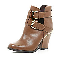 Tan cut out buckle western ankle boots