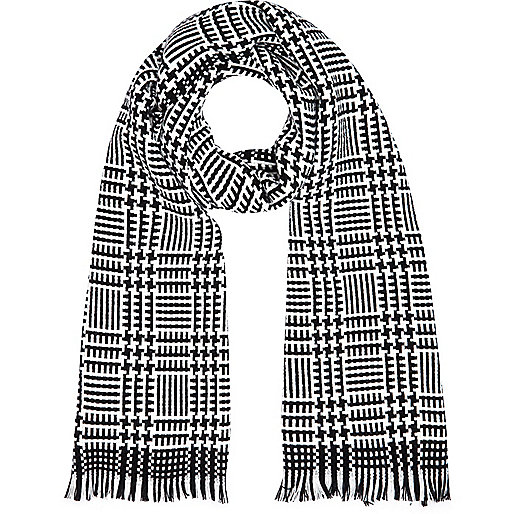 Black and white check blanket scarf