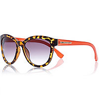 Brown tortoise contrast arm sunglasses